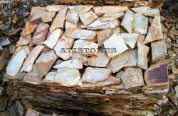 Laisvų gamtinių formų skaldytas akmuo gneisas ASH2