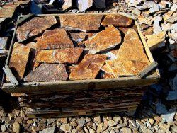 Laisvų gamtinių formų skaldytas akmuo gneisas CV1