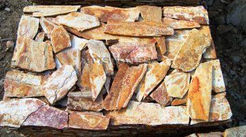 Laisvų gamtinių formų skaldytas akmuo gneisas CV2