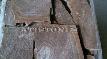 Laisvų gamtinių formų skaldytas akmuo gneisas D1