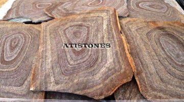 Laisvų gamtinių formų skaldytas akmuo gneisas D4 Pied