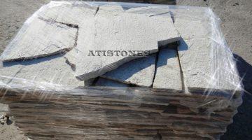 Laisvų gamtinių formų skaldytas akmuo gneisas E1